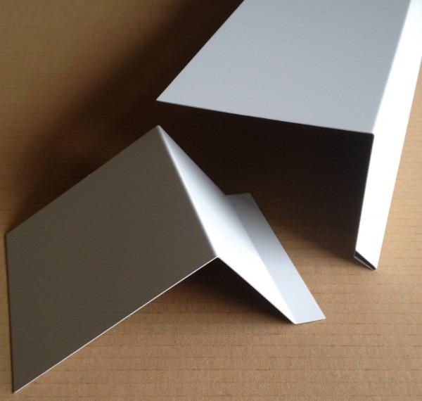 Dachrandprofil Alu weiss 1500x175 mm